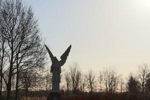 De Vlinderijnes engel op de begraafplaats aan de Nassaulaan in Steenbergen (N-Br) is een realisatie van Vlinderijnes Design&Storytelling.